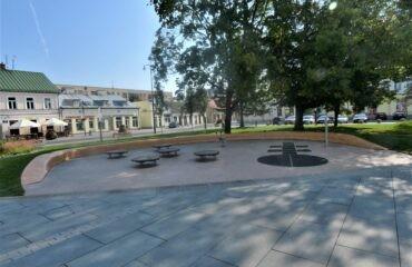 Plac zabaw na Placu Marii Konopnickiej