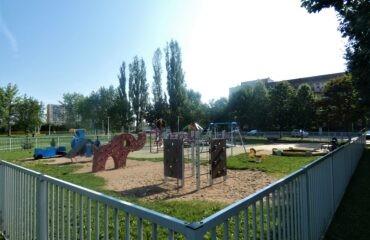 6-1-Plac-zabaw-w-kwartale-pomiędzy-ulicami-Putry-Minkiewicza-Kowalskiego-i-Andersa.jpg