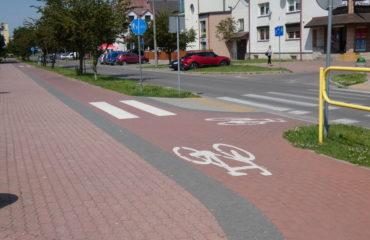 Wykonanie ścieżki rowerowej i remont chodnika oraz remont nawierzchni parkingów na ul. Putry